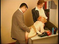 Pszichiáter a klinikán van egy eset, a páciensnek szokatlan, ismételje meg az összes mozgást a lány után. Nevezzük tükörképnek, az orvos úgy dönt,hogy szakdolgozatot ír a témáról, és elkezdi a szexuális élményt. Miután levetkőztek és megmutatták nekik a hatalmas állóképet, a férfiak elkezdtek kísérletezni és felvételt készíteni. Hétfőn minden lány megismételte gesztusait. Tehát az a kutya, aki szereti a szex cunnilingus édes egy orvos érdekel, tehetség. De egyszer nem elég egy dolgozat, hogy a férfi zárt eg