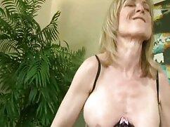 Pornó videók Prostituált, Érett pornót nézni a laptop, punci ujjait rá. Kategória Szőke, Érett, Harisnyatartó és Harisnyás, Anya, Bevállalós anyukák, Maszturbálás, erotikus film online Ujjazás, lány, szóló, Harisnyatartó.