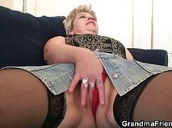 Pornó videó két Anya, Német, szexi, elkapni egy férfit, majd szopni neki. Kategóriák biszexuális, barna haj, nedves, Érett, Harisnyatartó és Harisnya, Orális Szex, milf, tini, és felnőtt, Hármasban, Hármasban. videa erotikus filmek