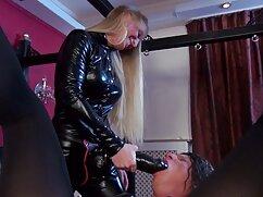 Egy szép vörös hajú, rugalmas szex videok magyarul mell nagy friss szép teste, ő öntött olajat a melleimet, majd elkezd, hogy a vibrátor a kedvenc a mellbimbó. Ült a széken, majd elkezdte maszturbálni a hüvely rózsaszín-a